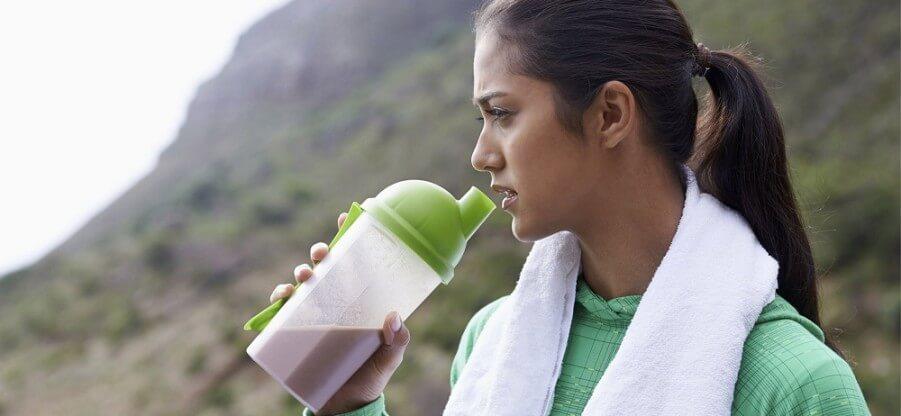 Есть ли смысл в приеме белковых добавок перед сном
