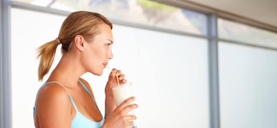 Стоит ли употреблять углеводно-белковые смеси с утра