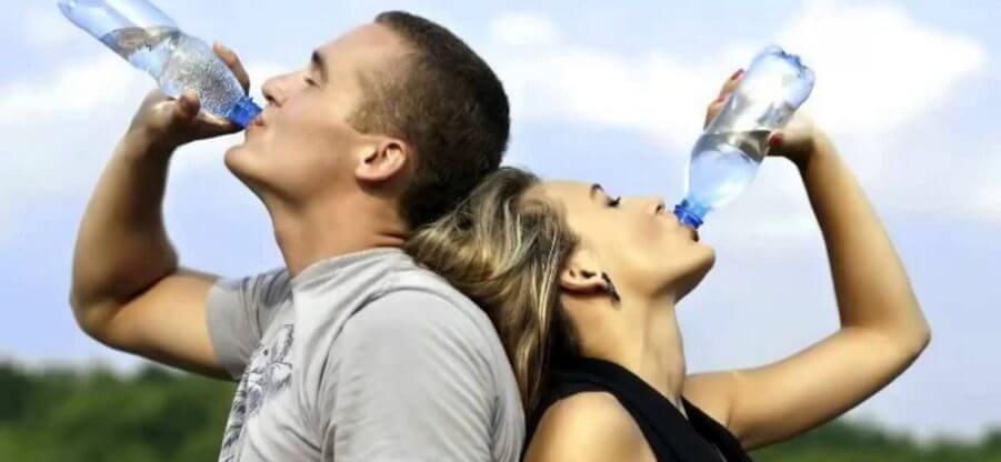 Нужно ли пить жидкость после силовых тренировок?