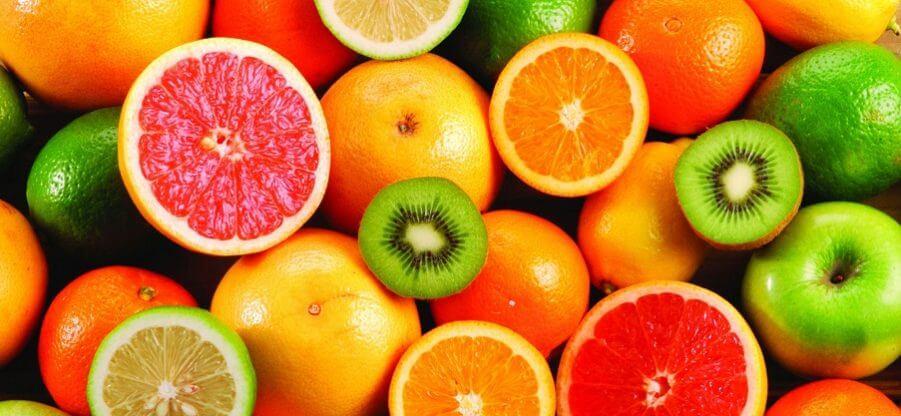 В каких продуктах питания содержится больше всего витамина С?