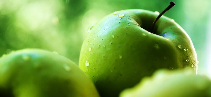 Польза зеленых и красных яблок: свойства и химический состав
