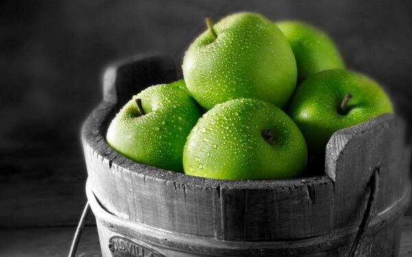 Плоды в ведре