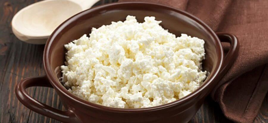 Сколько грамм белка содержится в 100 граммах творога?