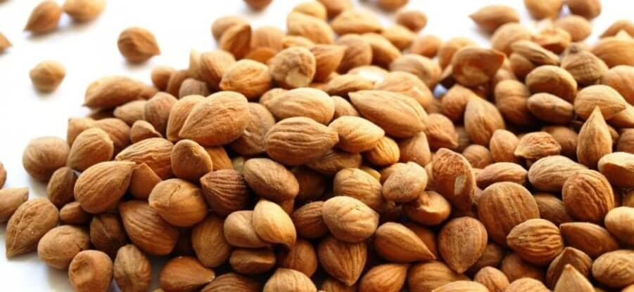 В каких продуктах находится и зачем нужен витамин В17?
