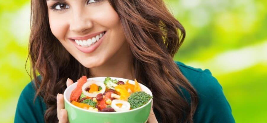 Какие витамины лучше принимать весной женщинам?