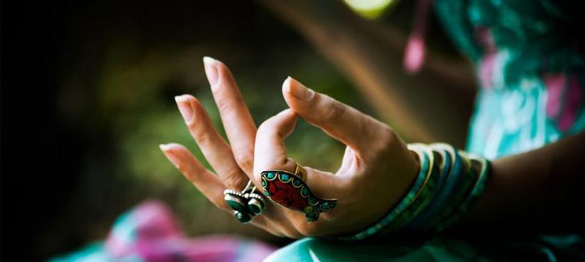 Мудра-йога для пальцев: польза и техника выполнения